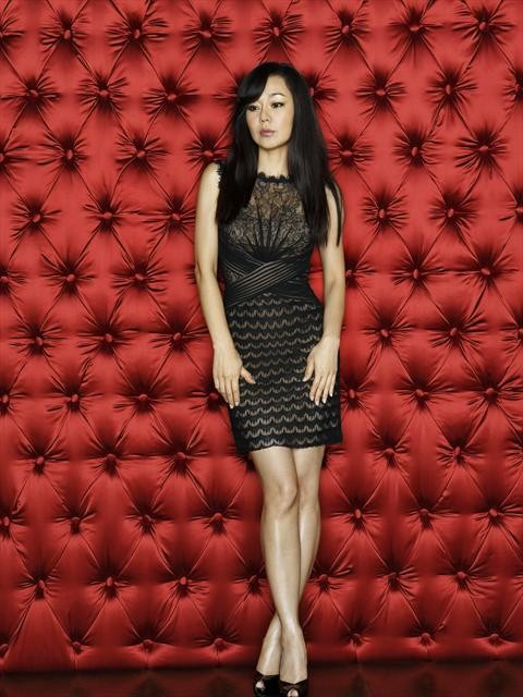 Alyssa Milano, Yunjin Kim And The Rest Of The Mistresses Cast Pose For Glamorous Photos #25948