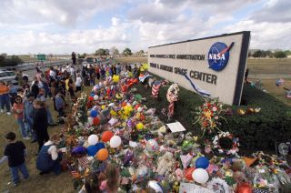 Tributes to Space Shuttle Columbia Crewmembers at Johnson Space Center