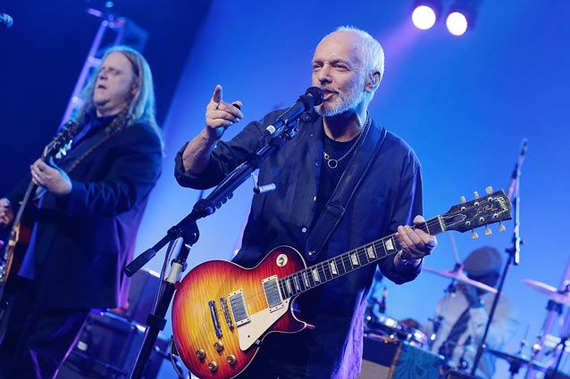 peter frampton talks talk boxes and recording 39 all things must pass 39 guitarworld. Black Bedroom Furniture Sets. Home Design Ideas