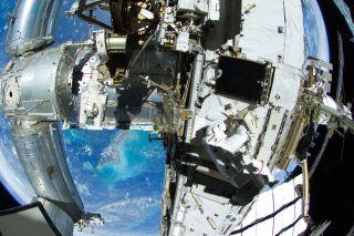 iss spacewalk william aug 30