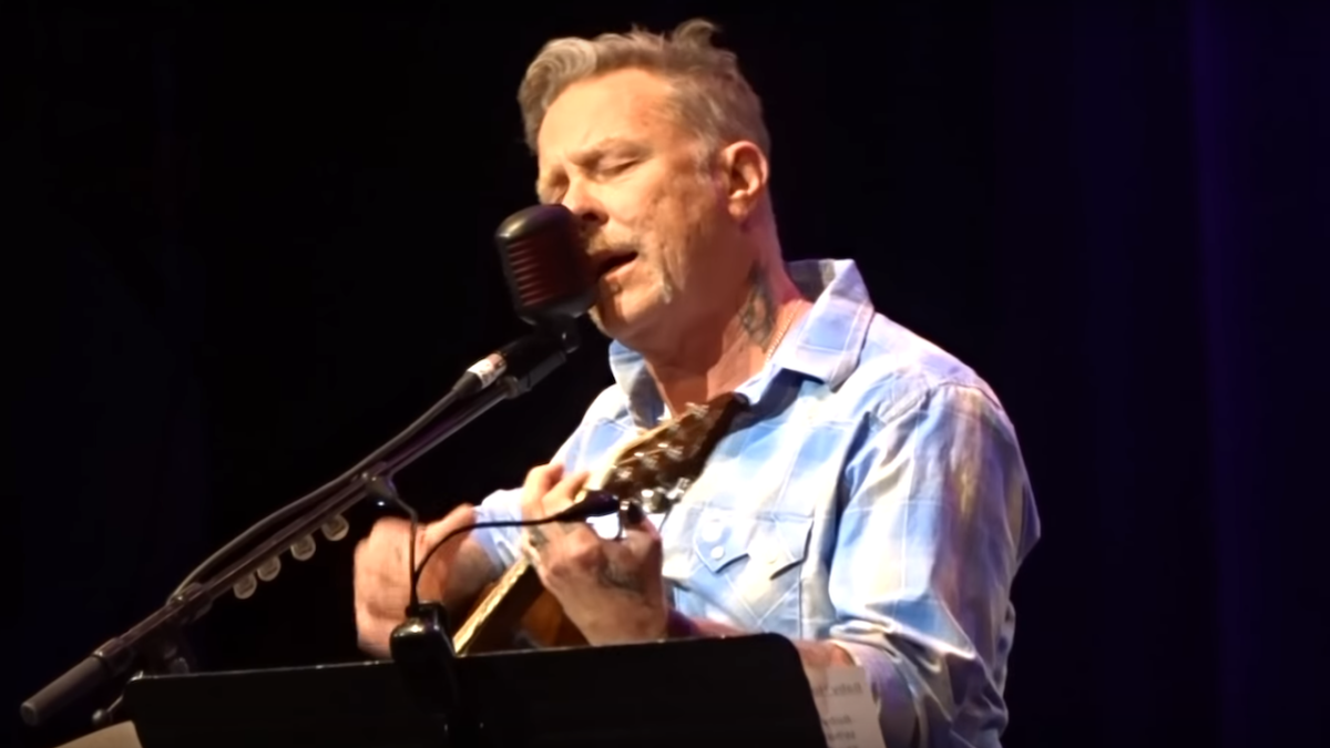 Watch James Hetfield make live comeback