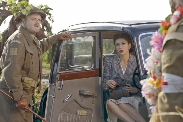George Mainwaring (Toby Jones) and Rose Winters (Catherine Zeta-Jones) in Dad's Army (Universal Pictures)