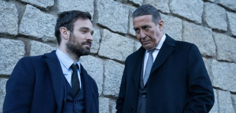 Charlie Cox and Ciaran Hinds in Kin Episode 3
