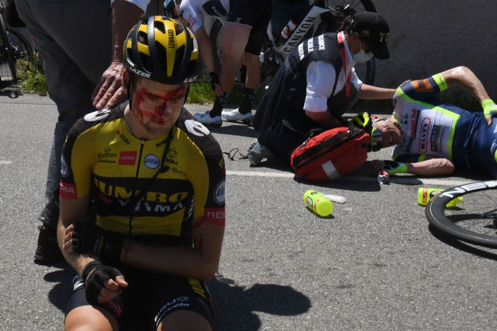 Lennard Hofstede (Jumbo-Visma) was forced to quit the race due to his injuries