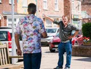 'Coronation Street' spoilers: Steve McDonald and Dev Alahan fight in the street.