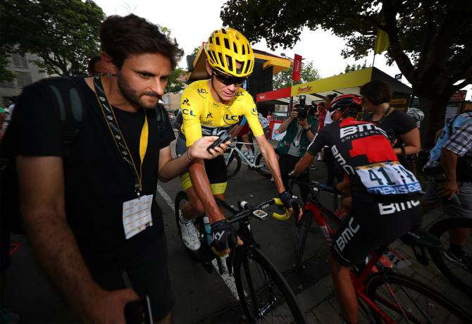 Chris Froome speaks to Cyclingnews Editor Daniel Benson before the start in Troyes