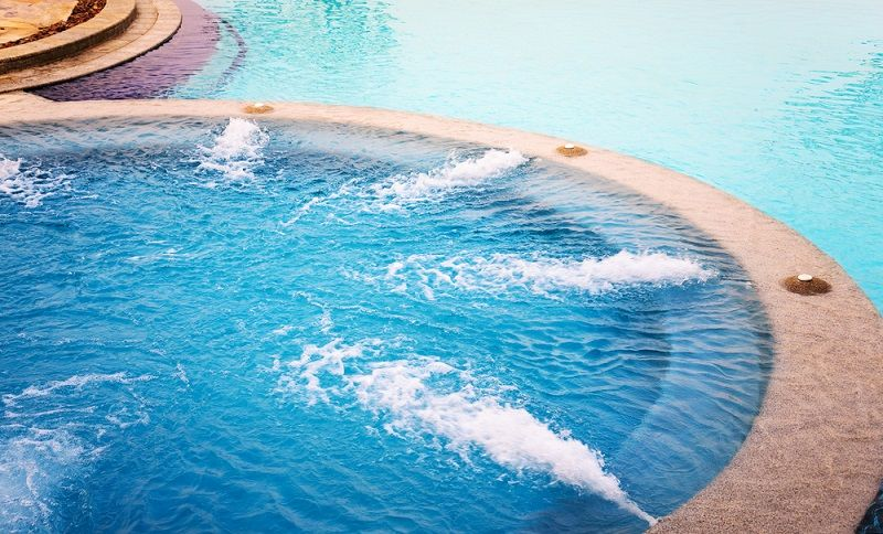 Woman Contracts Horrifying Leg Infection from a Hot Tub