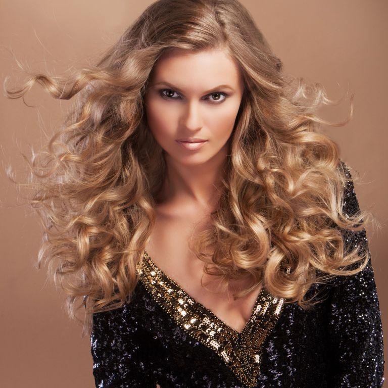 Glamorous waves hairstyle