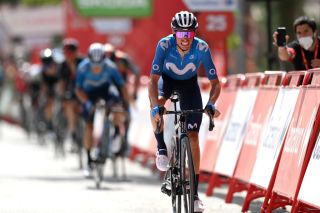 Enric Mas (Movistar) grits his teeth as he climbs the wall of Valdepeñas on stage 11 of the 2021 Vuelta a Espana