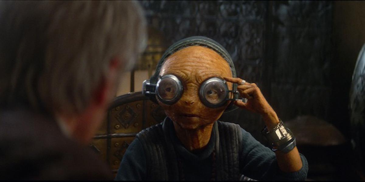 Maz Kanata talking with Han Solo