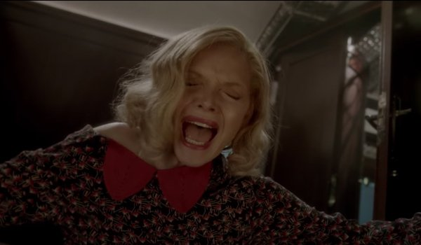 Michelle Pfeiffer Stabbed On Murder On The Orient Express