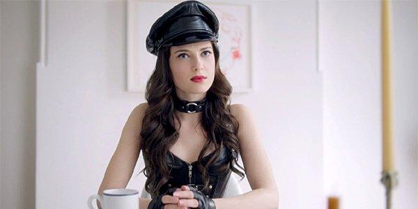 Bonding Season 1 Netflix Zoe Levin Tiffany Tiff Chester Mistress May