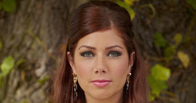 Nikki Sanderson plays Maxine Minniver in Hollyoaks