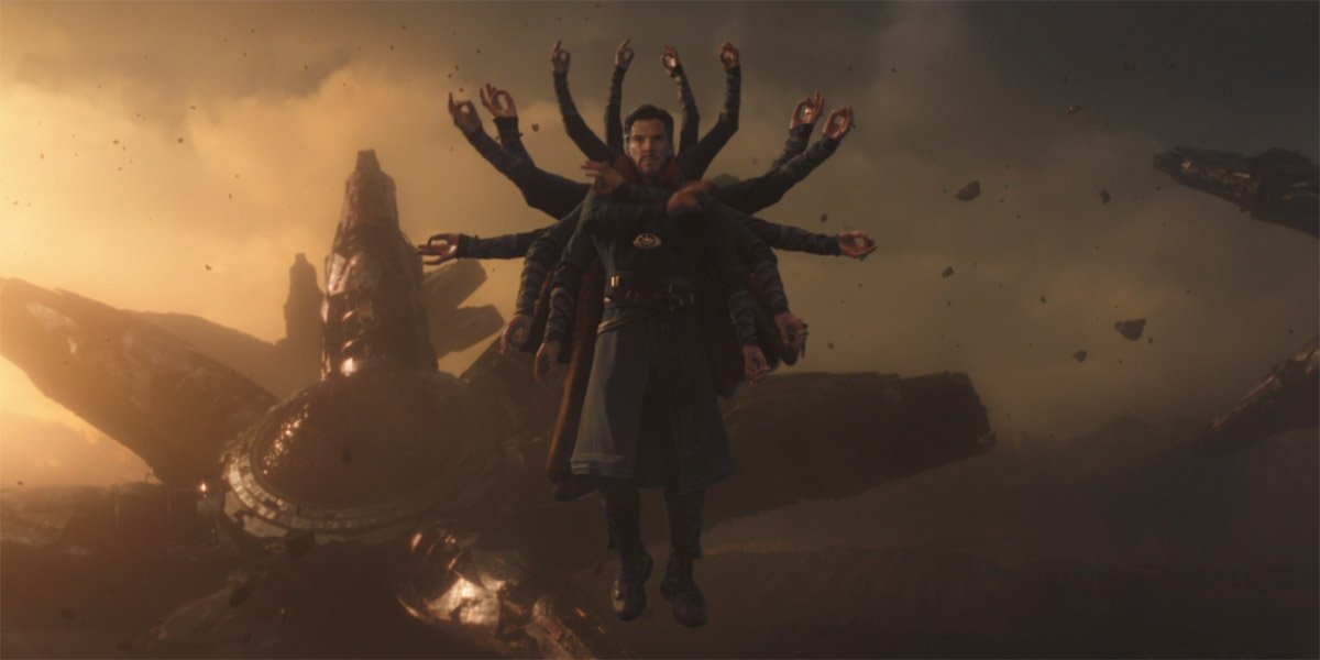 Doctor Strange (Benedict Cumberbatch) creates multiple forms in Avengers: Infinity War
