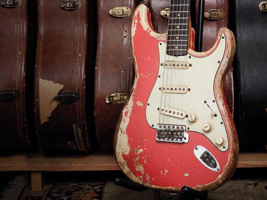 old gold 39 63 fender stratocaster musicradar. Black Bedroom Furniture Sets. Home Design Ideas