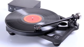 how does a vinyl record make a sound?