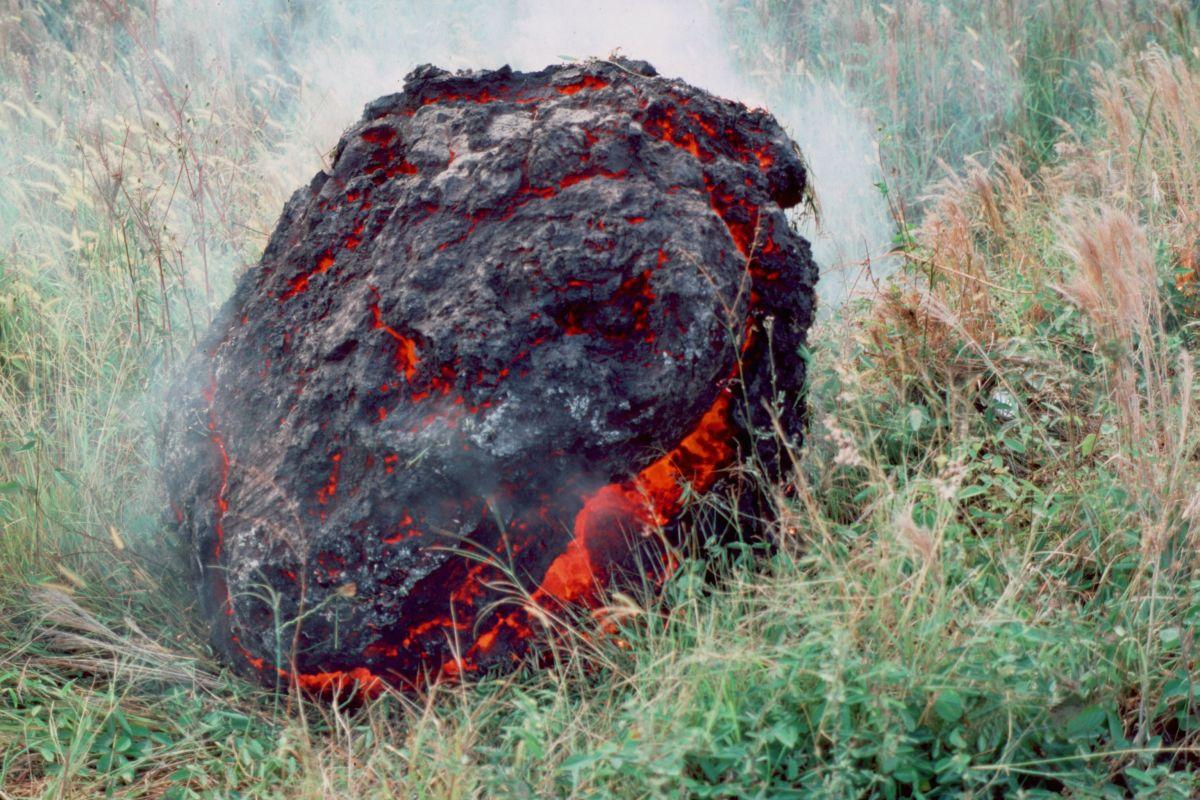 Hawaii's Kilauea Volcano Spawned a Giant, Otherworldly 'Lava Ball'