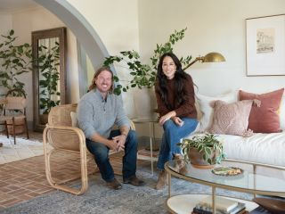 Chip and Joanna Gaines in Fixer Upper: Welcome Home