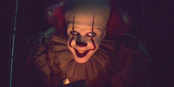 Pennywise the clown smiling It: Chapter 2