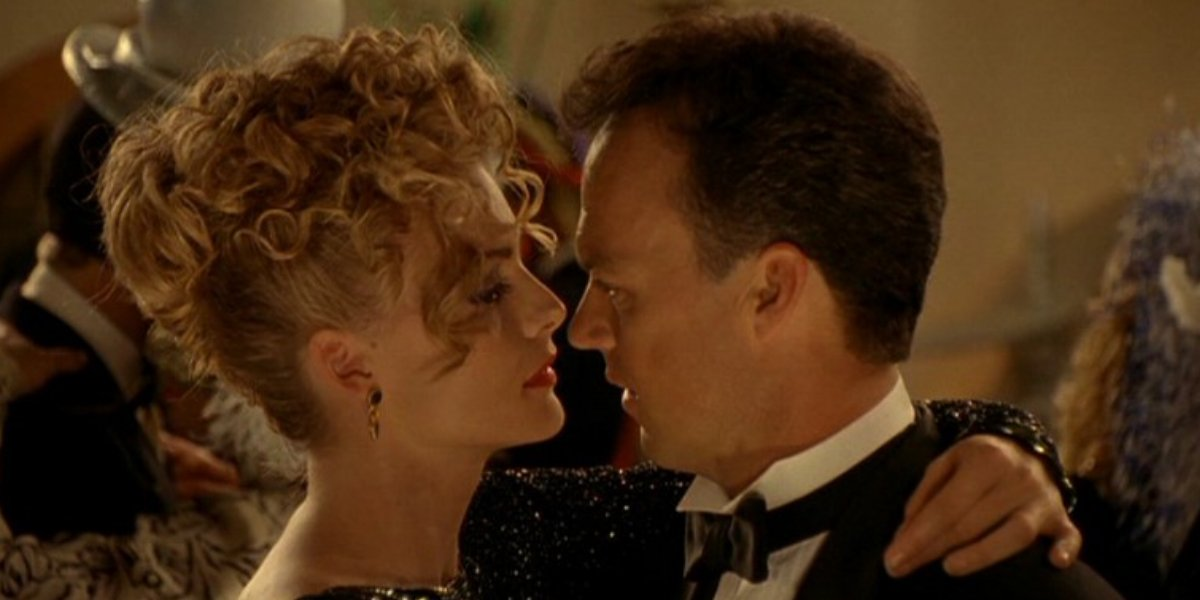 Michelle Pfieffer and Michael Keaton in Batman
