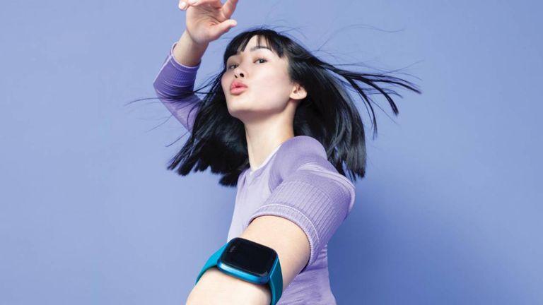 Fitbit Versa Lite health fitness smartwatch