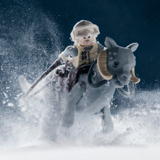 Lego Star Wars: 'Breaking in the Tauntaun'