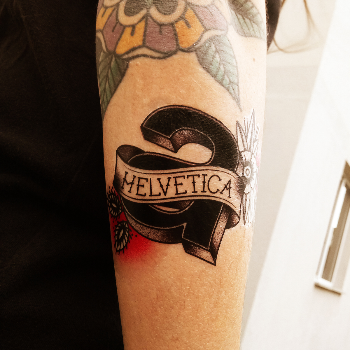 Amazing body art turns typefaces into tattoos