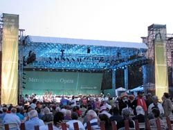 Metropolitan Opera Performs a Summer Outdoor Spectacular