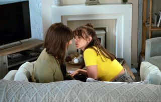 Sophie Webster and Paula kiss!