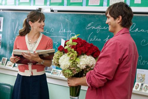 Valentine's Day - Jennifer Garner and Ashton Kutcher play good friends in the romantic comedy