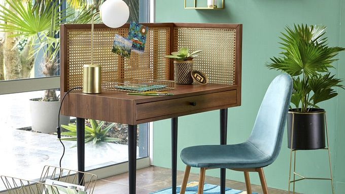 Working from home set up La Redoute NOYA Vintage Desk in green room