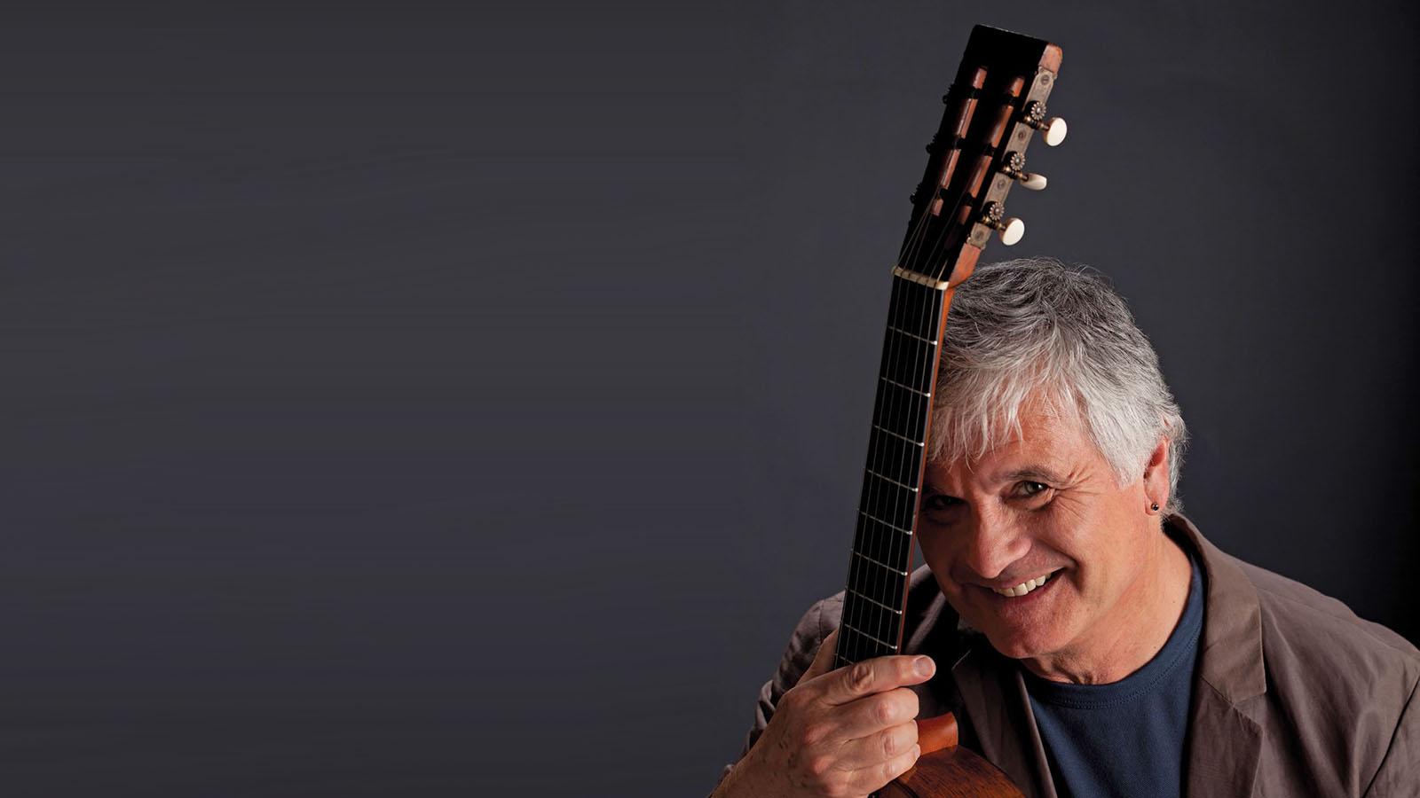 Acoustic Master Laurence Juber Talks New Album, 'Touchstones: The Evolution of Fingerstyle Guitar'