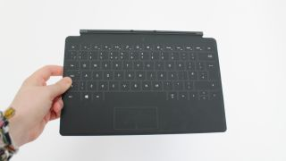 Apple patent shows off smart keyboard case, the perfect Office for iPad pal?