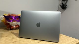 Apple MacBook Pro (13-inch, M1, 2020)