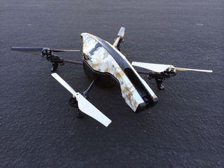 parrot ar.drone 2.0 quadricopter