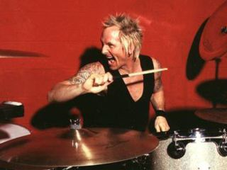 Sorum says Velvet Revolver can't hurry up and wait for a singer