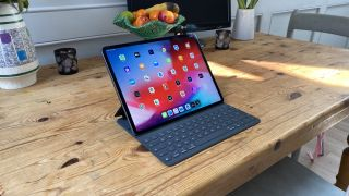 Apple iPad Pro 2020 with Keyboard Folio