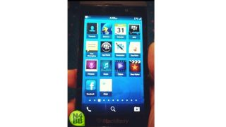 Fuzzy BlackBerry L-Series photo reveals apps, not much else