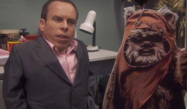 warwick davis next to ewok