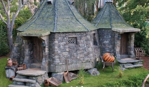 Hagrid's Hut Flight of the Hippogriff