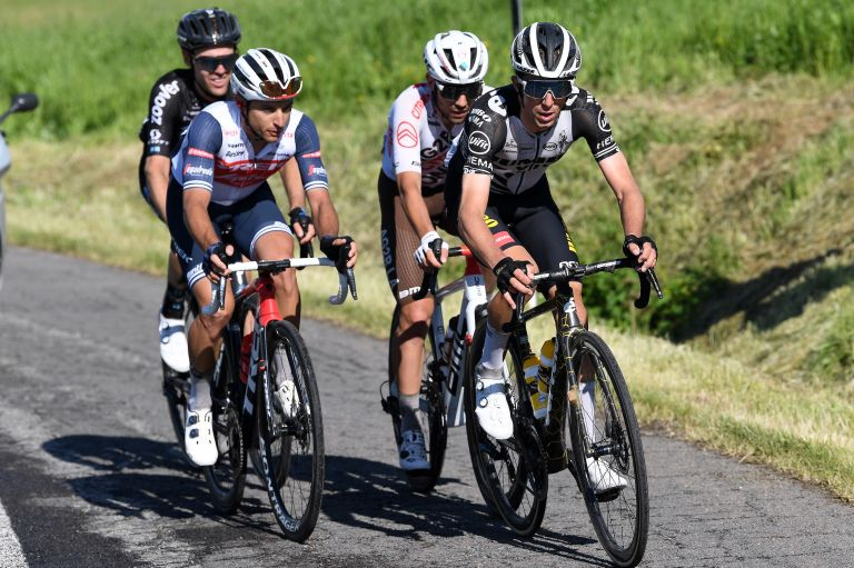 George Bennett leads the break on the final climb of stage 12 in the Giro d'Italia 2021