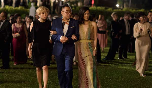 Awkwafina and Nico Santos in Crazy Rich Asians
