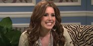 That Time SNL's Vanessa Bayer Did Her Miley Cyrus Impression In Front Of Miley's Mom
