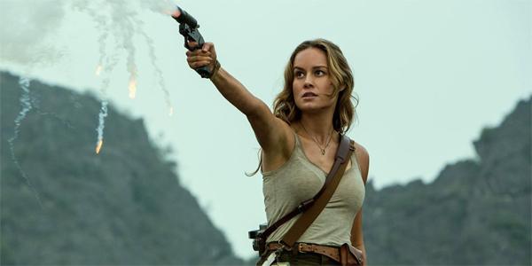 Brie Larson Mason Weaver firing a flare in Kong Skull Island