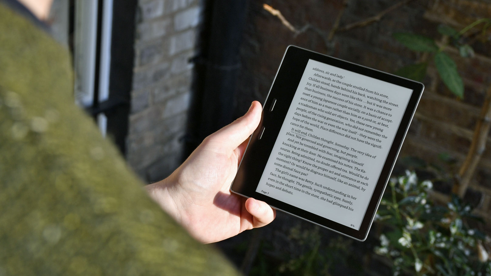Best Kindle: Amazon Kindle Oasis