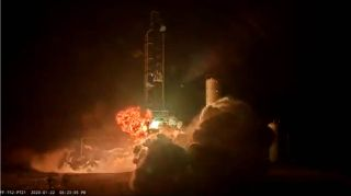 Firefly Aerospace rocket engine test ends in fire (video)