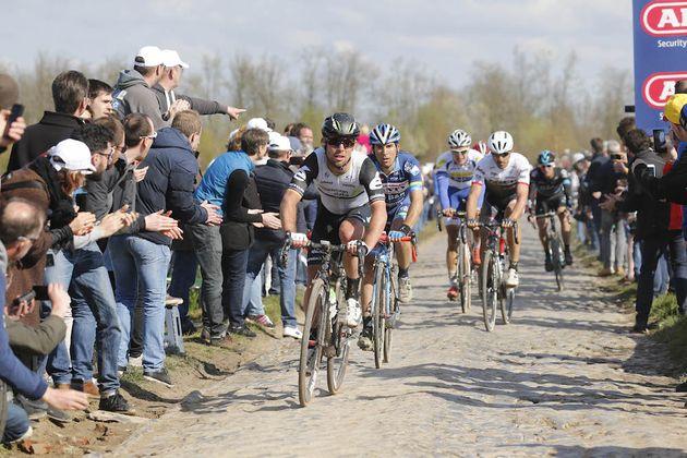 Thumbnail Credit (cyclingweekly.com) (Photo: Yuzuru Sunada): Mark Cavendish at the 2016 Paris-Roubaix (Sunada)