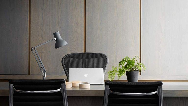 Alain best desk lamp in white