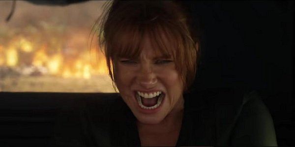 Jurassic World: Fallen Kingdom Bryce Dallas Howard Clare struggling with the jeep