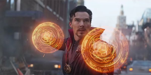 Doctor Strange readying to fight Ebony Maw in Avengers: Infinity War